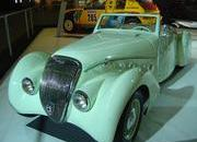 classic cars at paris motor show-103352