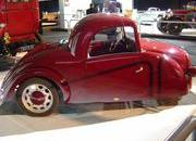 classic cars at paris motor show-103354