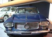 classic cars at paris motor show-103366