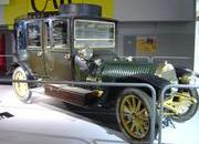 classic cars at paris motor show-103347
