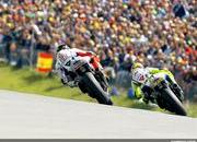 2009 motogp race report valentino rossi wins at sachsenring-311767