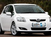 -toyota announces auris hybrid for 2010