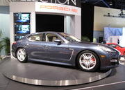 the porsche panamera makes its north american auto show debut at the 2009 south florida international auto show-329517