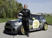 -hrh prince leopold sets a date with the mini e at the nurburgring