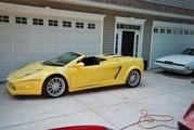 dodge stratus gets turned into a faux lamborghini gallardo-365242