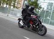 2012-ducati diavel carbon