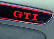 volkswagen golf gti black dynamic-455866