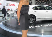 car girls of the 2012 paris auto show-475604