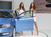 car girls of the 2012 paris auto show-475610