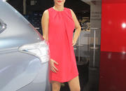 car girls of the 2012 paris auto show-475674