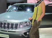 car girls of the 2012 paris auto show-475524