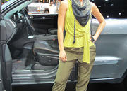 car girls of the 2012 paris auto show-475530