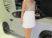 car girls of the 2012 paris auto show-475536