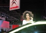 car girls of the 2012 paris auto show-475547