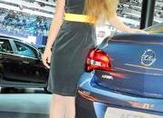 sexy girls at moscow international auto salon 2012-471401
