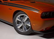 dodge challenger r t and srt8 392-492418