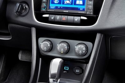2013 Chrysler 200 Review Top Speed